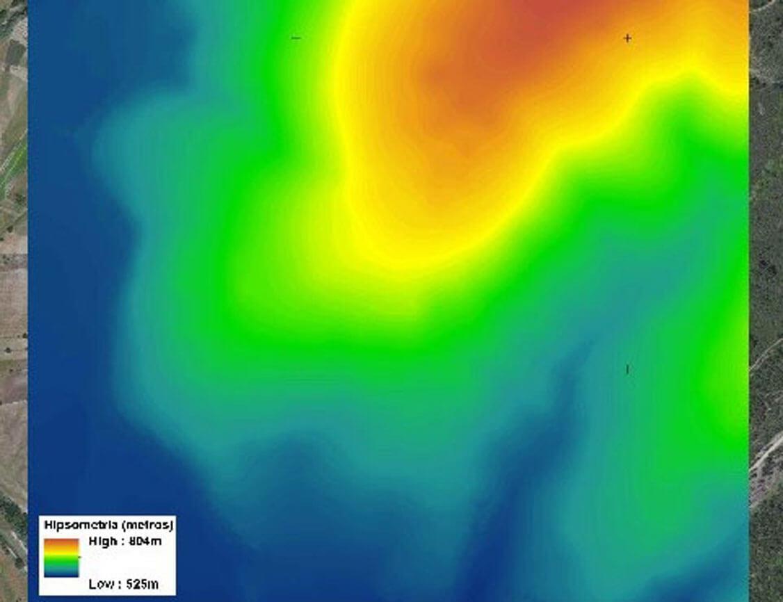 voos de imagem aérea e mapas com a caracterização fisiográfica